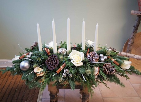 Oval Candle Centrepiece